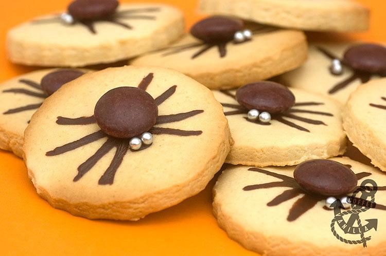 chocolate spider Halloween cookies