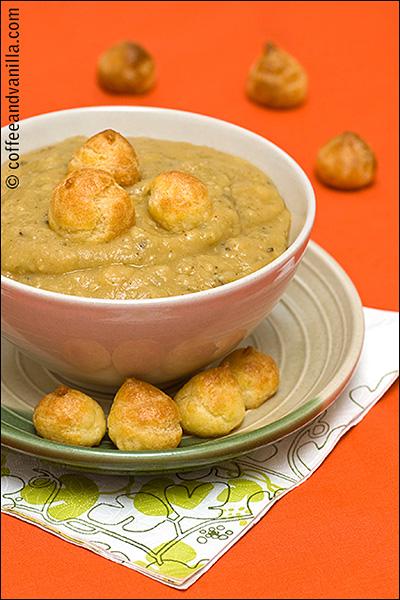 Polish cream of pea soup