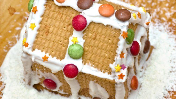 Quick & Easy Cookie Houses