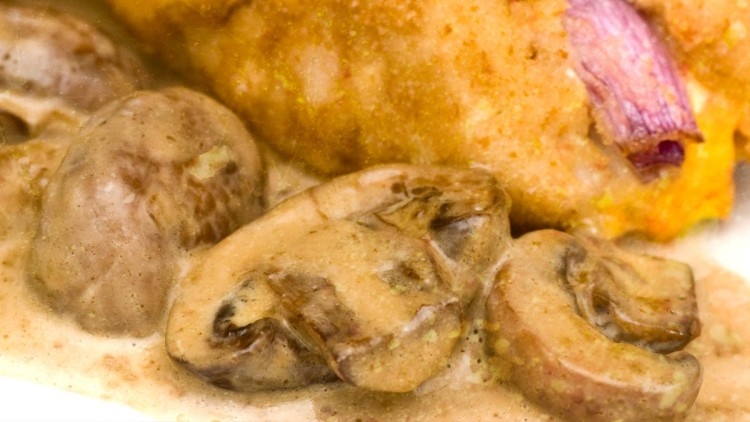 Chicken de Volaille in Chestnut Mushroom Sauce / Zrazy z Kurczaka