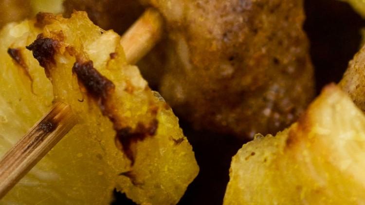 Caribbean Pineapple & Chicken Kebabs – Sweet, Spicy & Juicy