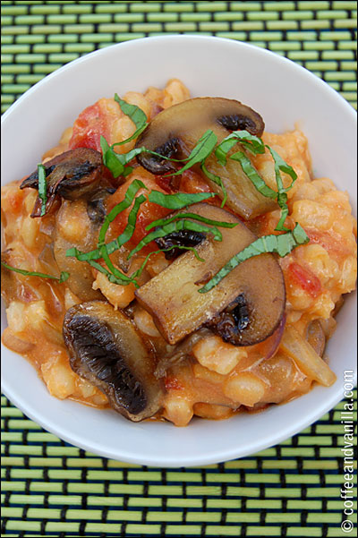 cleansing pearl barley cooked with tomatoes and mushrooms