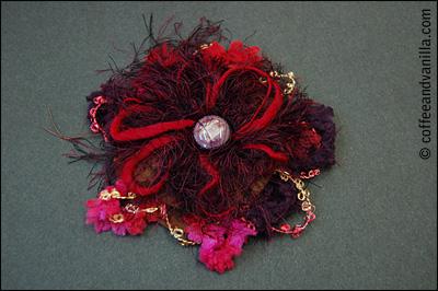 diy felt thread button brooches