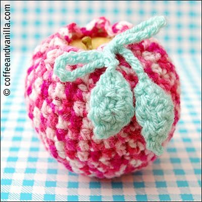 crochet leaves for apple cosy
