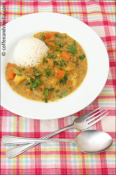easy white fish fillets stew with curry powder and coconut milk