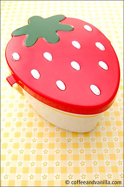 strawberry shaped bento box lunch box