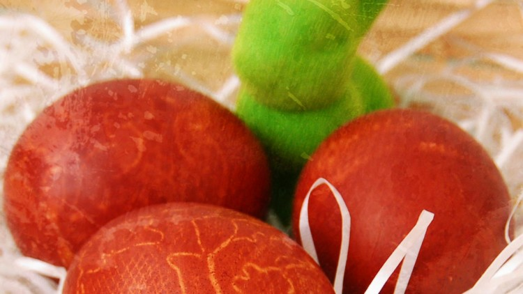 Easter Eggs Dyed with Lace & Onion Skin