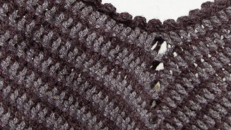Classic Two Tone Poncho – Crochet Pattern