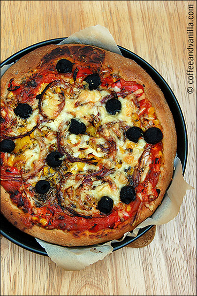 how to make pizza base