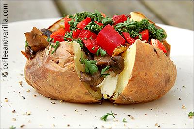 very easy jacket potato with mushrooms