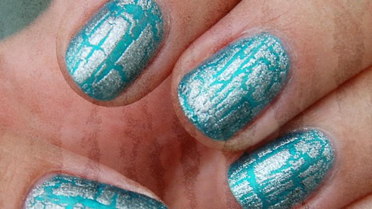 Shatter / Crackle Top Coats vs. Magnetic Nail Varnishes
