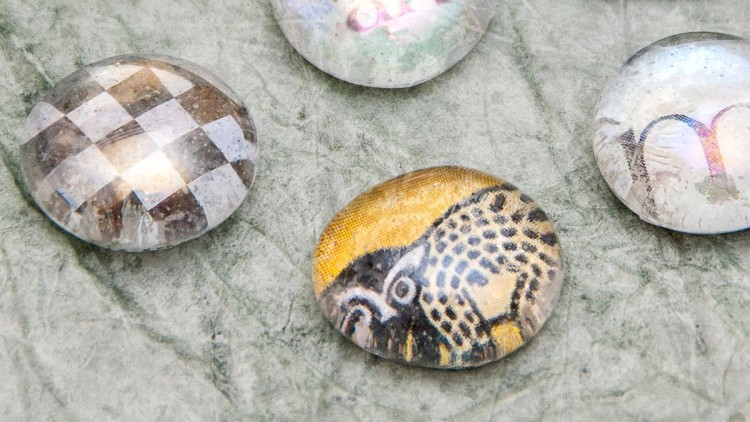 Decorated Glass Pebbles – Kids' Craft Ideas