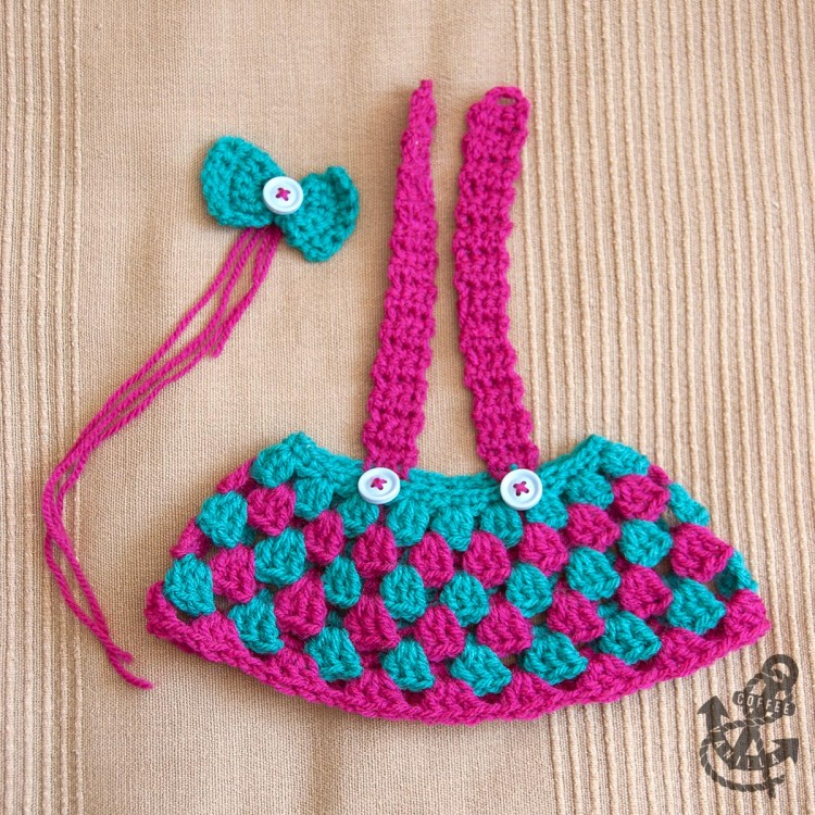 teddy bear outfit clothes dress hair bow free crochet pattern