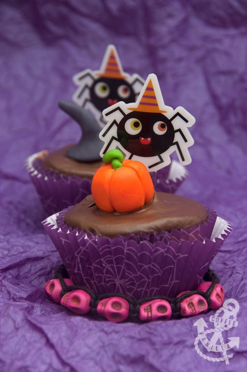 Halloween cupcakes fairy cakes muffins scary poppy seeds chocolate icing