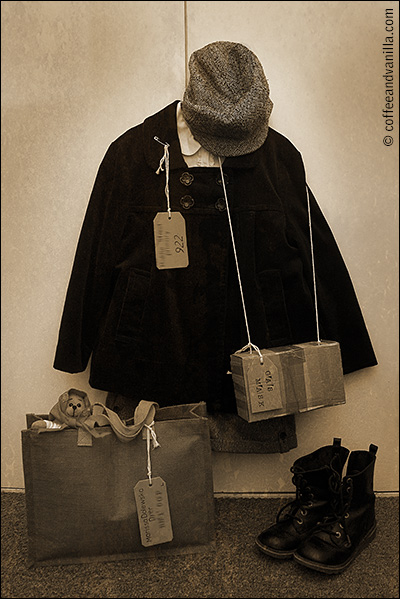 kids children WW2 dress up school history WWII Evacuee Outfit with Gas Mask Box & Ration Booklet
