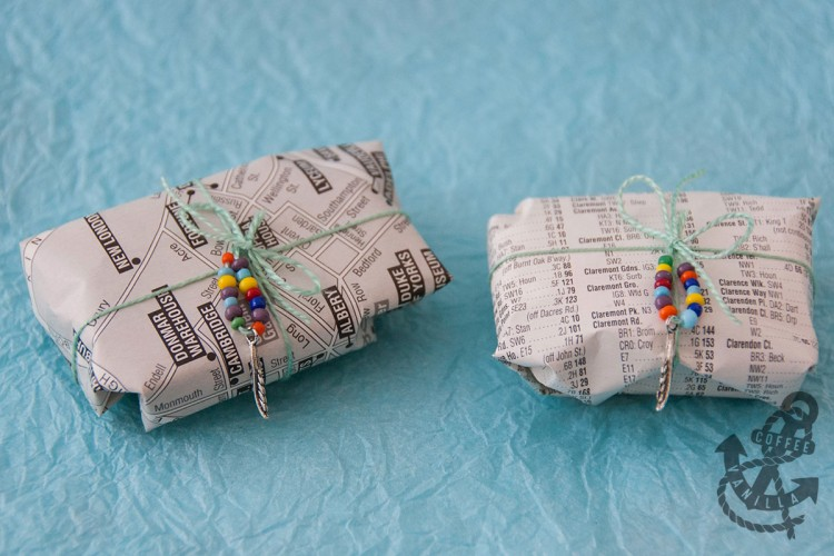 gift wrap with recycled maps and old books ideas