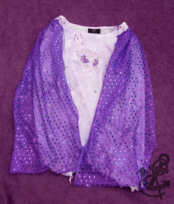 Arabian dancer costume top with frilly sleeves