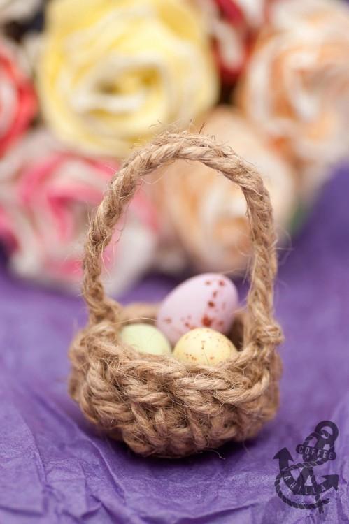 how to crochet Easter basket tutorial