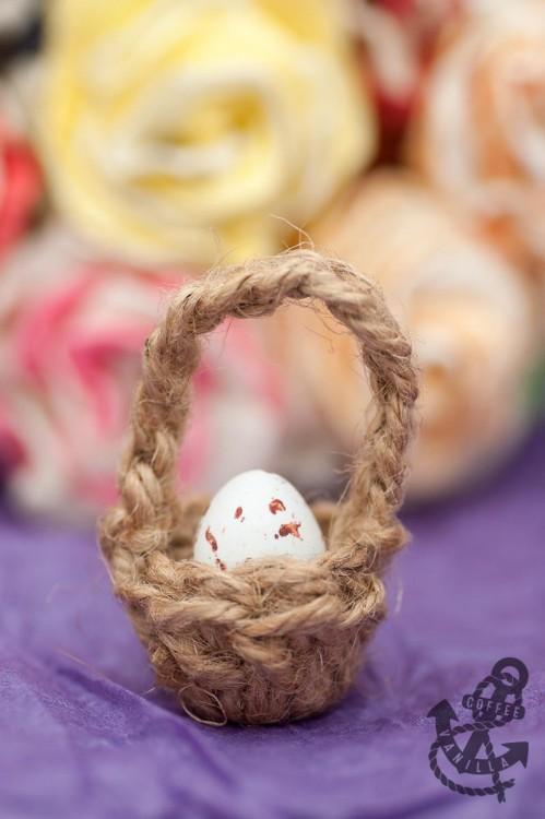 single egg Easter basket miniature jute garden twine