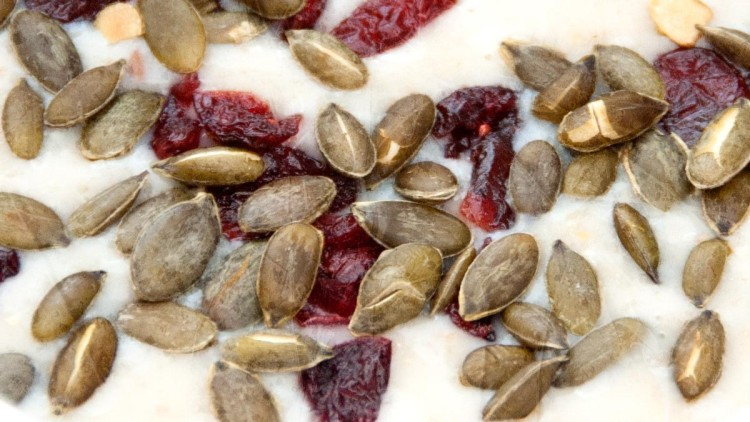 Sugar-Free Pumpkin Seed & Cranberry Breakfast Porridge + Mix For Lunch Boxes