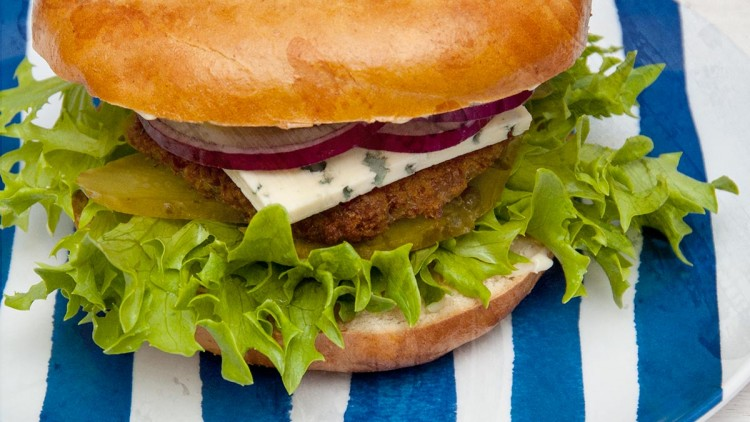 Crunchy Bagel Burgers with Blue Cheese & Red Onion