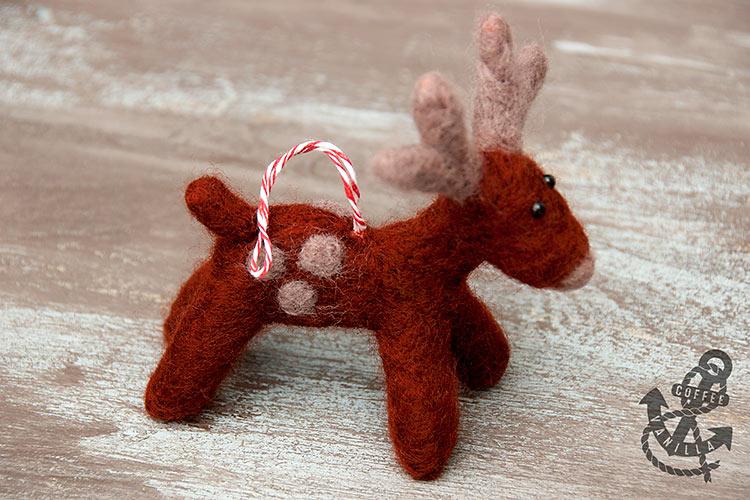 felt reindeer ornament pattern