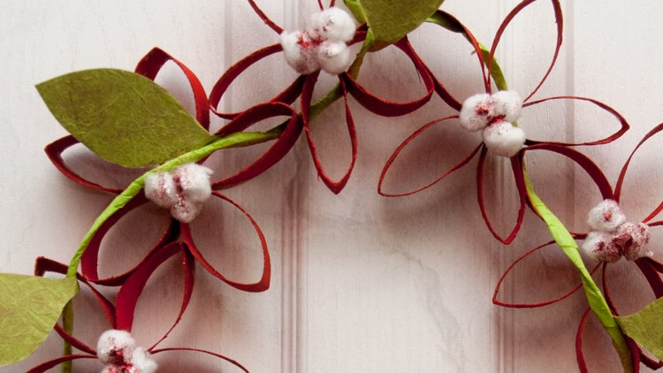 Upcycled Toilet Paper Roll Wreath – Poinsettias