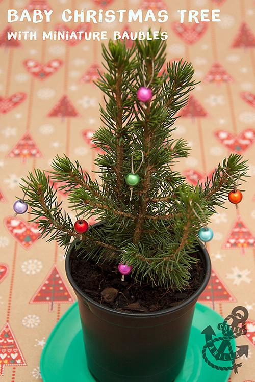 1cm christmas baubles