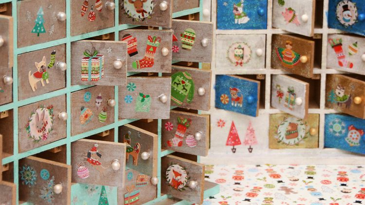 Decorating Wooden Christmas Countdown Calendars – Kids' Crafts